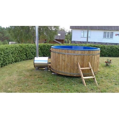 K ohřevu vody nepotřebujete elektřinu - Hot Tub WOOD disponuje topením na dřevo, které vanu vyhřeje již za 2 hodiny