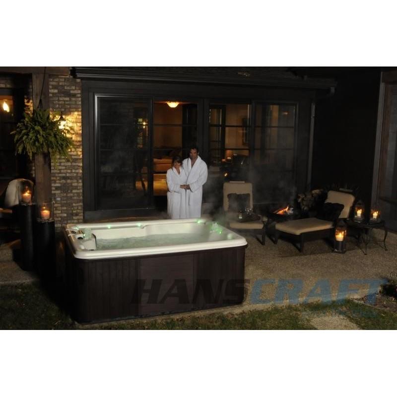 spa vířivá vanaá AURORA 3 pro 3 osoby a 31 speciálně designovaných trysek se postará o dokonalou masáž celého těla