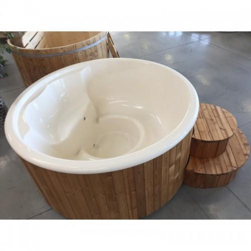 finská koupel Hot Tub DELUXE je vhodný pro citlivou pokožku - do sudu se nepoužívá chemie pro úpravu vody